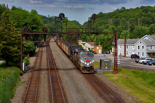 monongahela heritage unit mga 8025 summerhill west slope 776 ns norfolk southern railroad trains locomotives pittsburgh line cambria county transportation outside scenic scenery landscape georgeneat patriotportraits neatroadtrips prr signal bridge