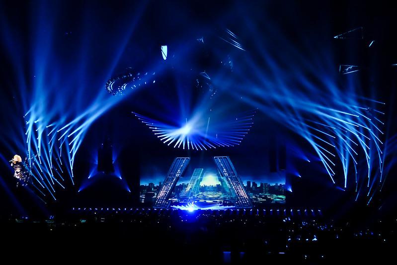 Concert de Mylene Farmer à l'U Arena 48031061706_7b75a2ff87_c