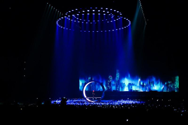 Concert de Mylene Farmer à l'U Arena 48031065911_d9930c8556_c