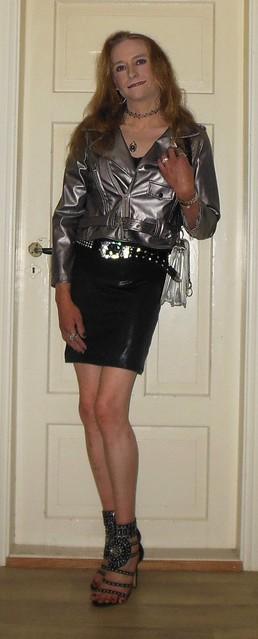#smile #happygirl #posing #summerwear #bikerjacket #skirt #highheels #opentoe #barelegs #tgirl #happytgirl #transvestite