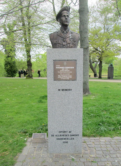 Memorial to Thomas Dinesen, Copenhagen