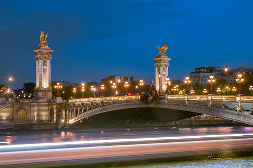 bridge urban beautiful architecture lights cityscape bluehour seineriver longexposure colorful view alexandreiiibridge paris europe citytour canoneos6dmark2 ef2470mmf4lisusm