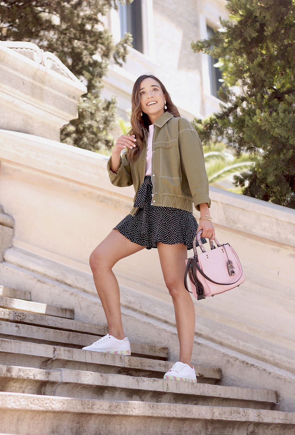 black shorts khaki jacket white sneakers street style outfit 20193
