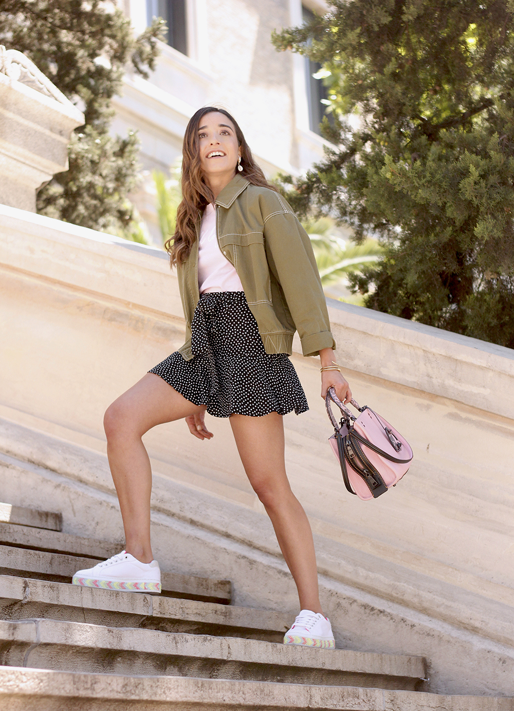 black shorts khaki jacket white sneakers street style outfit 20191