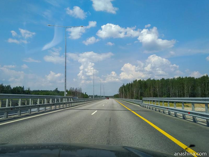 Скоростная трасса М-11 в Московской области