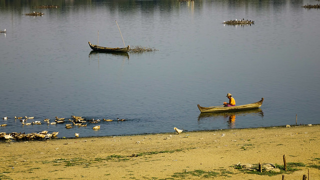 Landscape of Lake Taungthaman (Myanmar)