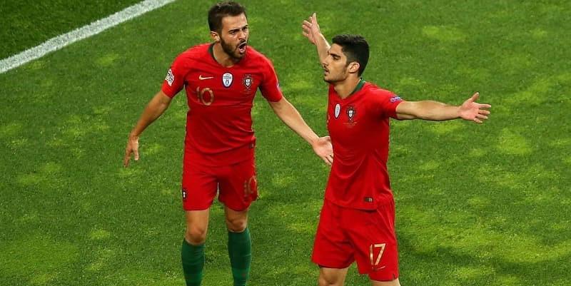 Silva bangga mengangkat trofi pertama untuk Portugal