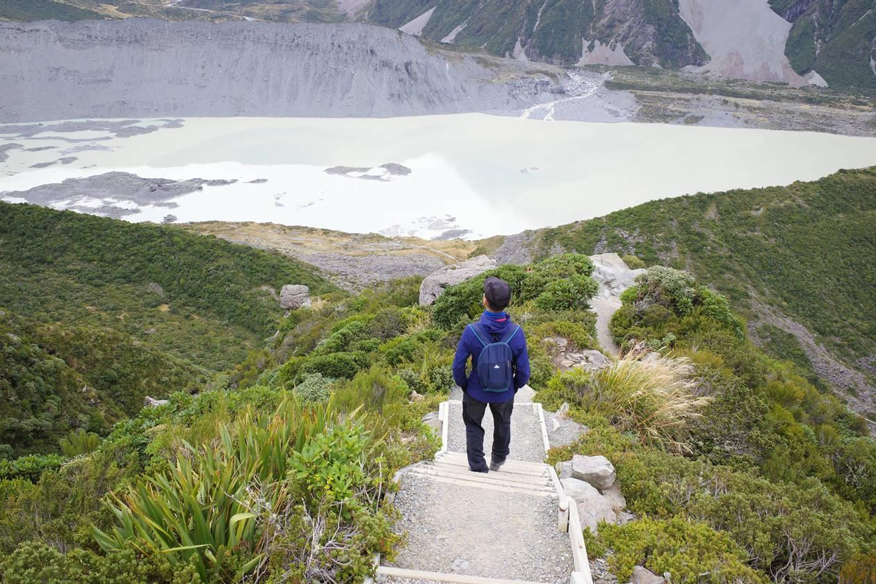 ミュラー湖へ下山