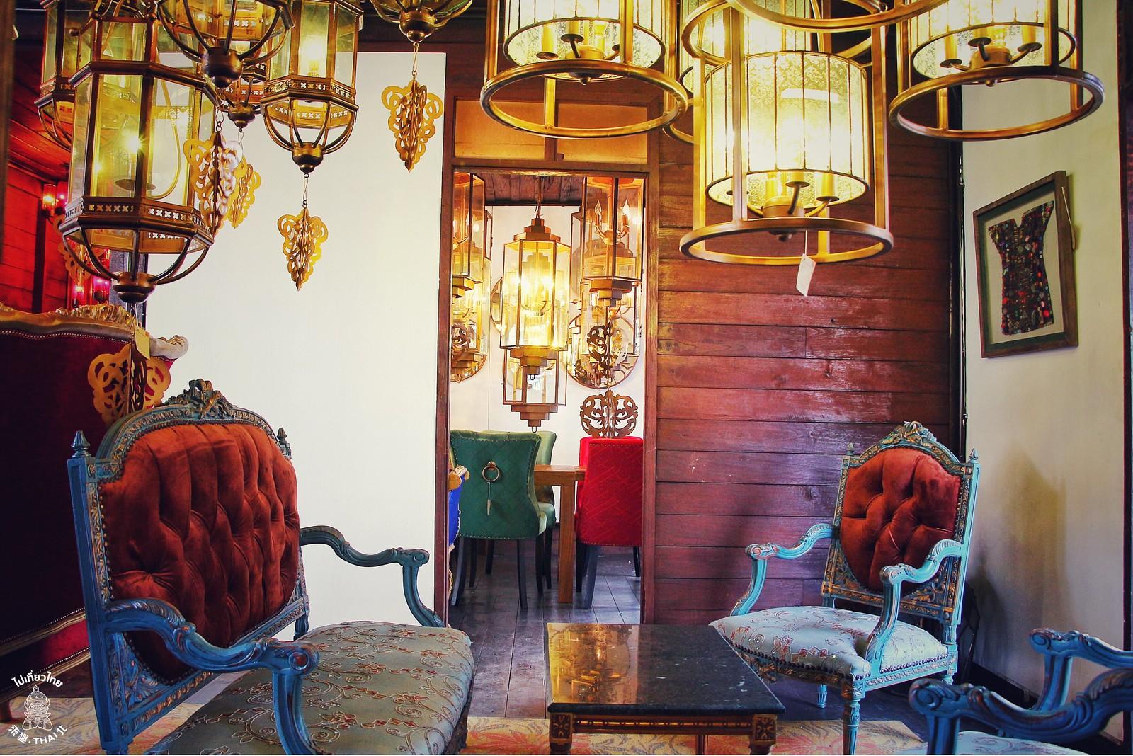清邁古城異業結合超美傢俱咖啡館《VIANGPHA Café in town》