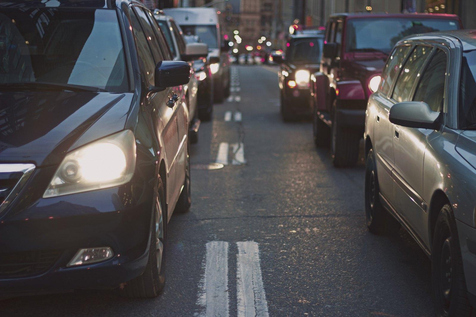 Súlyosan károsítja a gyerekek tüdejét az autógumikról szálló mikroműanyag