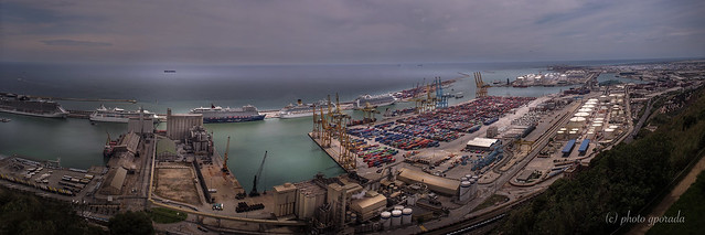 Barcelona - Giant Harbour