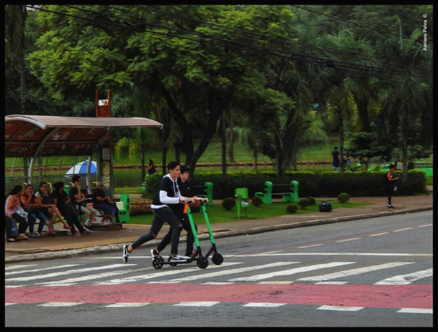 GYN Goiânia capital goiana Setor Bueno scooters cidades economia compartilhada veículos compartilhados adrinascidades micro-mobility blog environmentally friendly electric scooters mobility Instagram da jornalista Adriana Paiva
