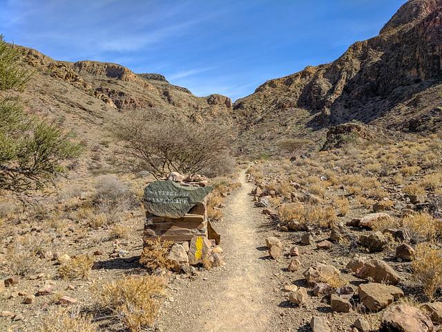 start of the Waterkloof Trail