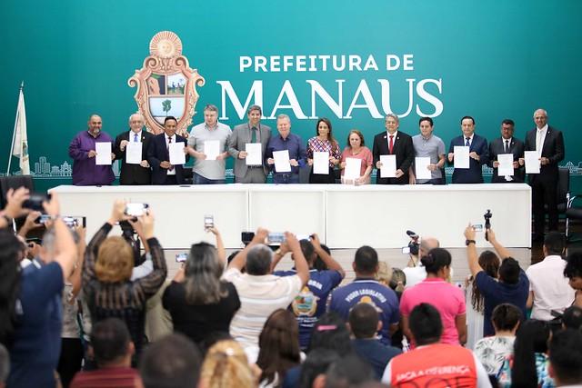 10.06.2019 Prefeito anuncia antecipação da primeira parcela do 13º salário e divulga 11 novas leis municipais