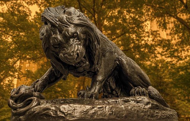 Lion Crushing a Serpent in Rittenhouse Square (Philadelphia)