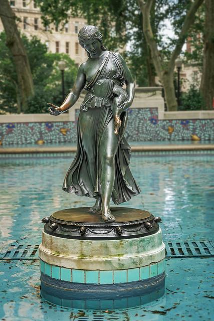 Duck Girl in Rittenhouse Square (Philadelphia)