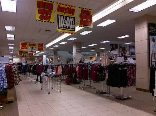 90s apparel automotive bartlett bath bedding closing closingsale craftsman departmentstore goingoutofbusiness hardware liquidation memphis reit retail sears seritageproperties shc tennessee tn tools woldchasemall wolfchase unitedstates