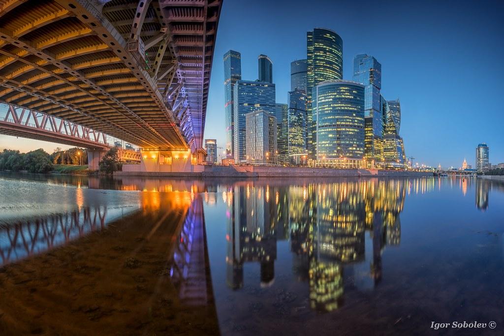 Отражение Сити