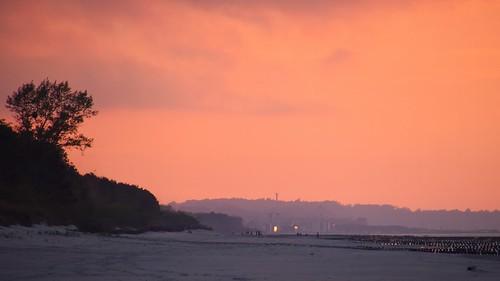 hel helpeninsula beach sand sandy nature sunset view landscape seascape water people silhuettes clouds sky coast thebalticsea sea baltic polska poland spring
