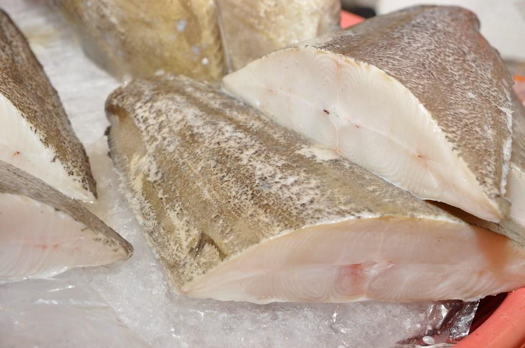 市場上所販售的鱈魚片多以輪切方式提供,故又稱為扁鱈。圖片來源:廖運志