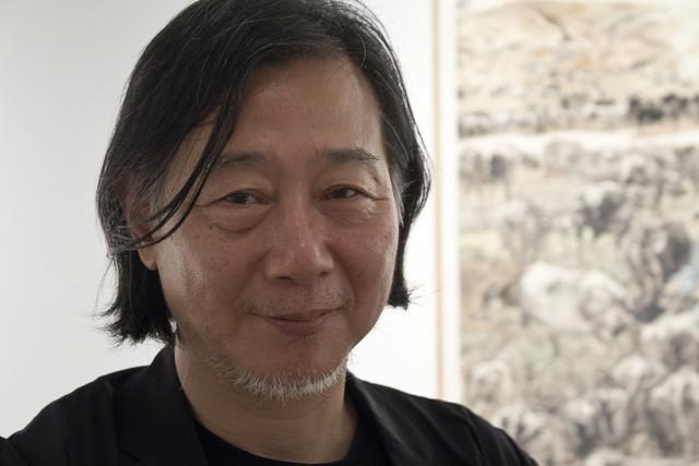 El pintor Wei Xiaorong expone su obra por primera vez en Europa
