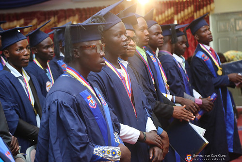 First Class graduands being advised by the Vice-Chancellor