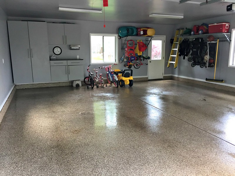 clean and decluttered garage
