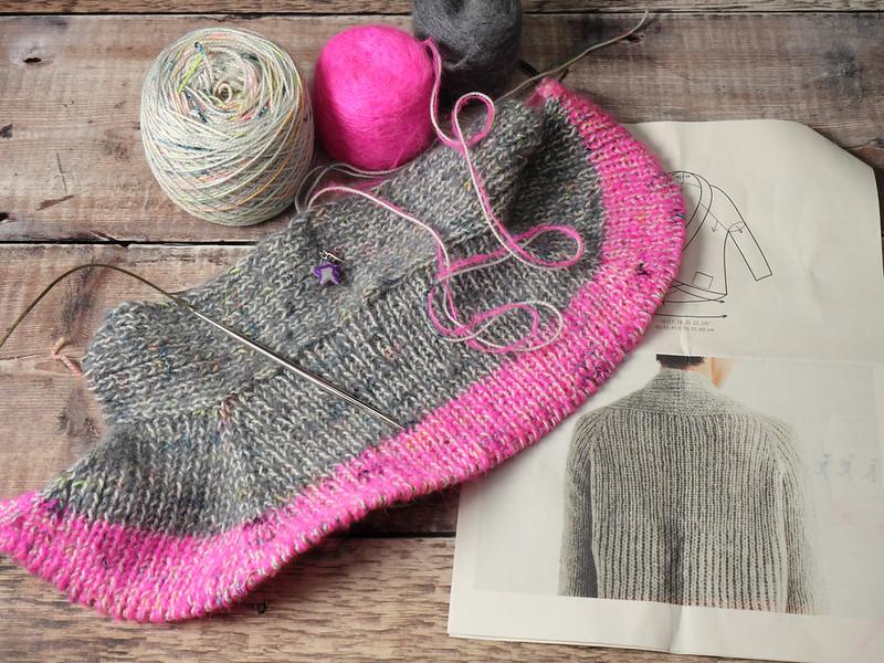 Start of Flaum cardigan knitting
