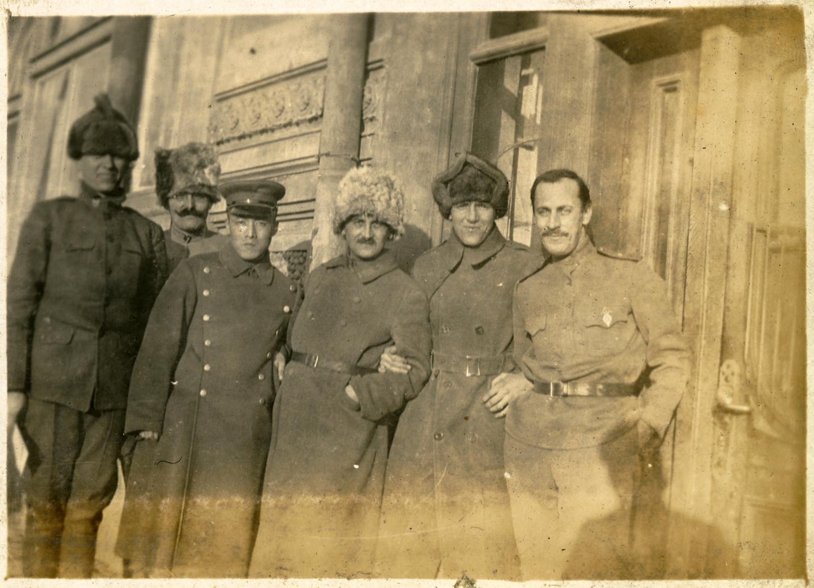 08. 1918. Военные