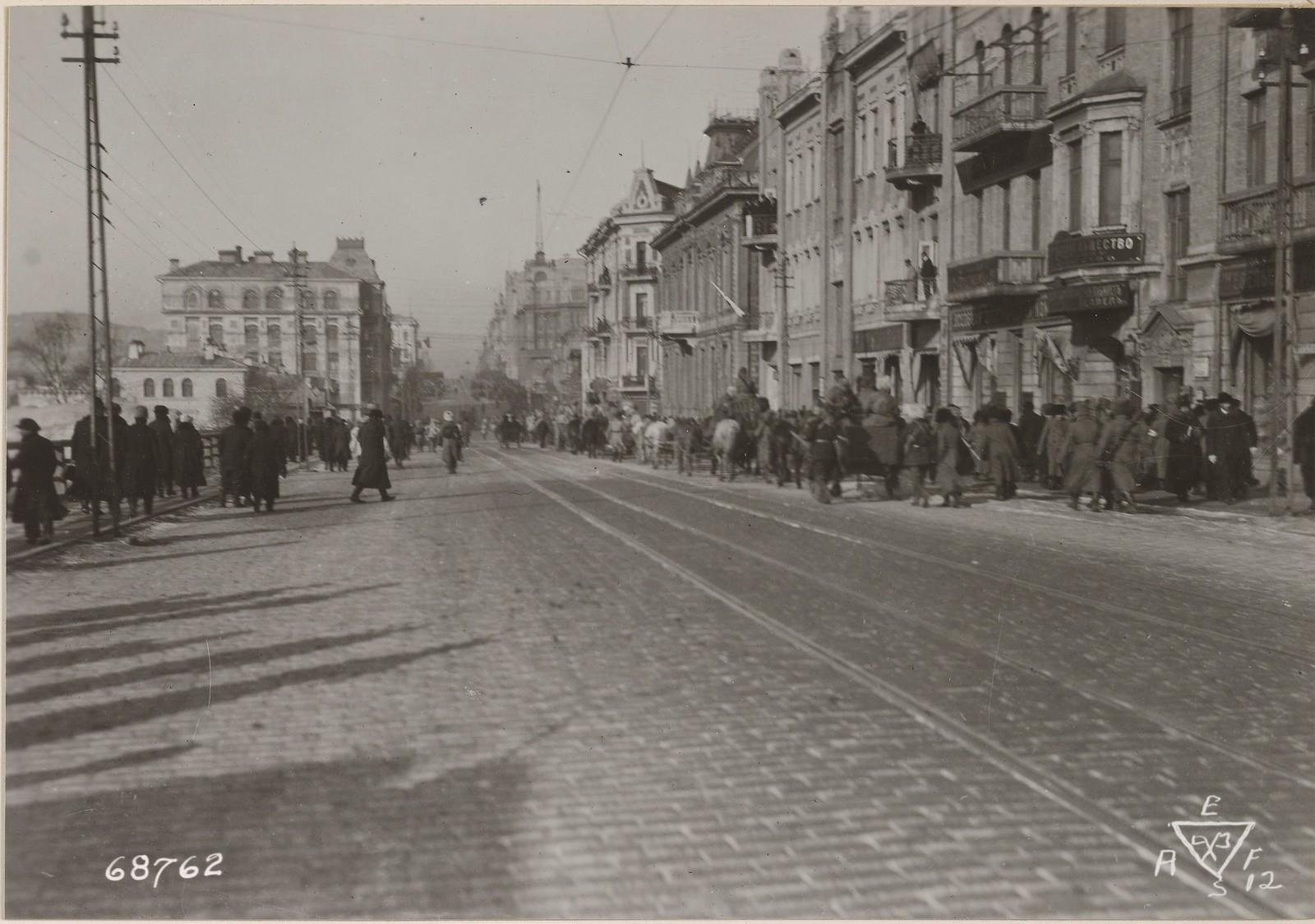 1918. На Светланской улице