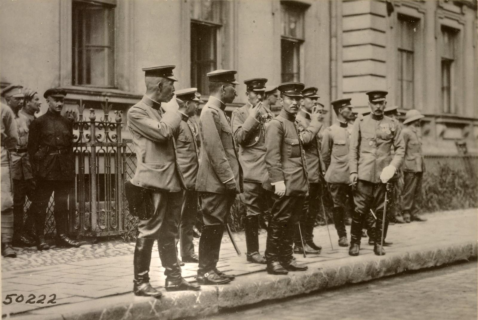 05. 1918. Высадка японских войск. Японские офицеры. 12.08