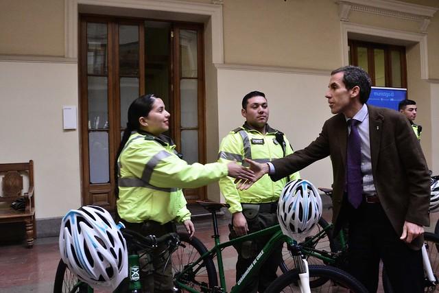 Carabineros recibe nuevas bicicletas