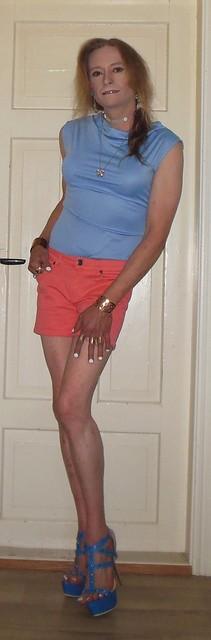 #smile #happygirl #posing #summeroutfit #summerwear #shortshorts #bare lwgs #highheels #tgirl #transvestite #transisbeautiful