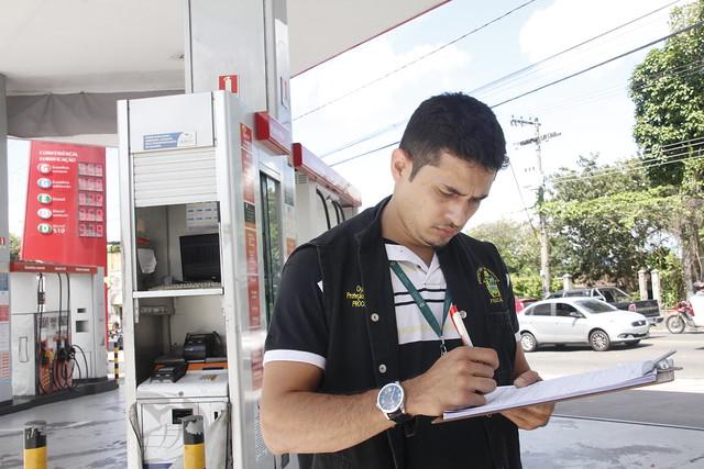 Manaus.11.06.19. Fiscalização nos postos de gasolina. Procon Manau
