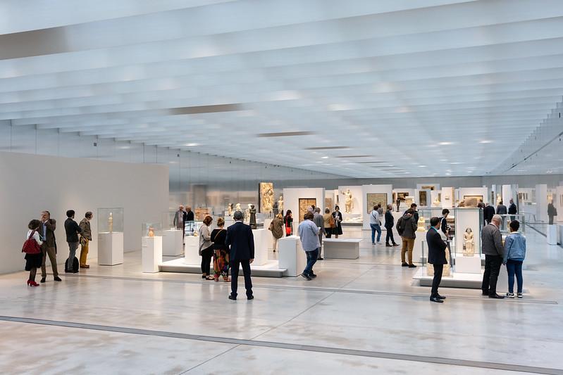 Louvre-Lens Museum's The Galerie du Temps