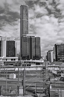 IMGP0693 View across railroad tracks to Roma St bus station | by rjbrett2
