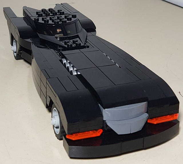 BTAS Batmobile – The Night – front