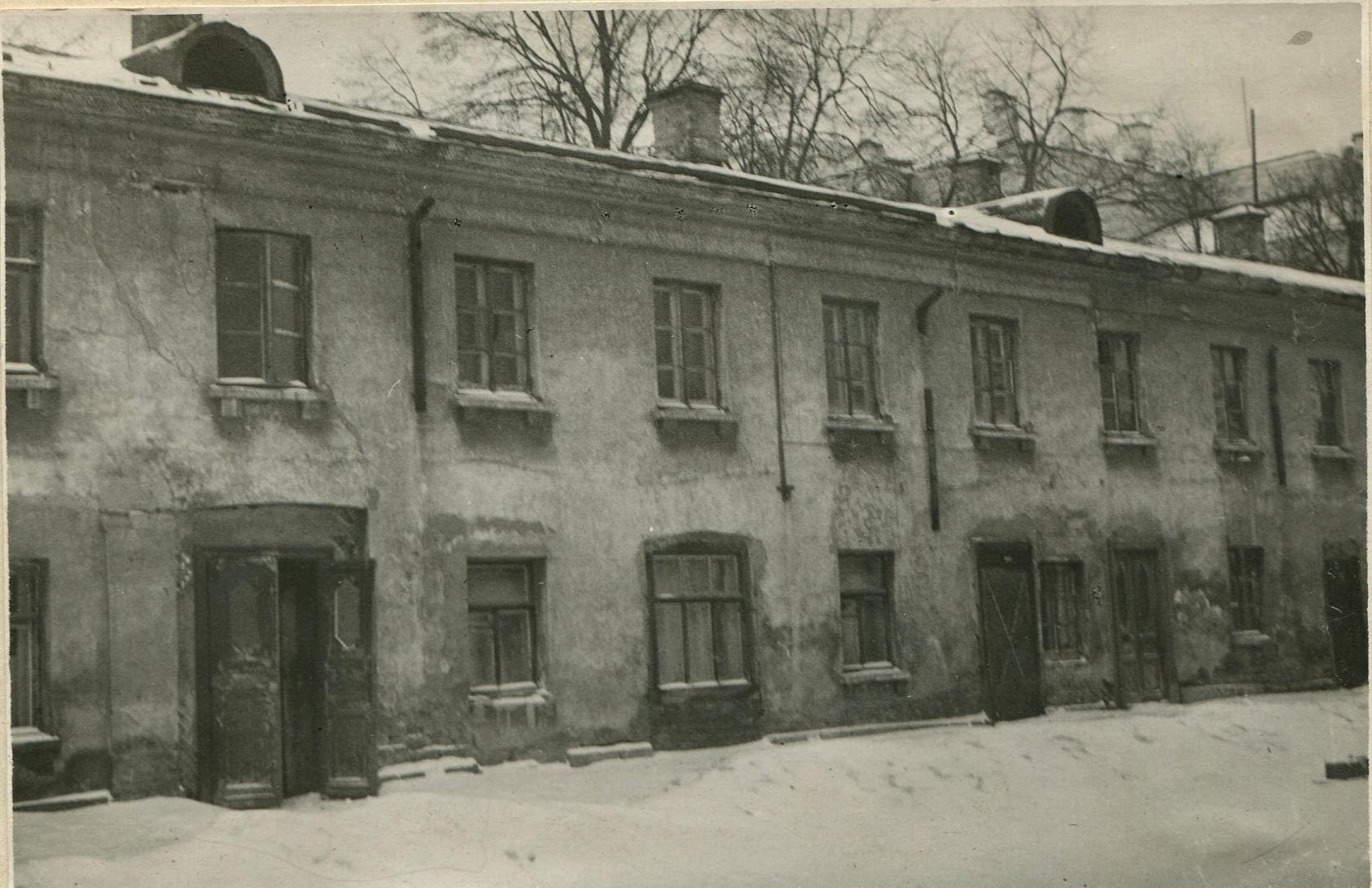 Дом № 14 на Волхонке, в кв. 14 которого обитал художник Василий Алексеевич Ватагин