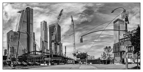 newyorkcity nyc hudsonyard hudson yard theedge edge building view observation deck cranes construction w35st 10thave 1100fthigh parking