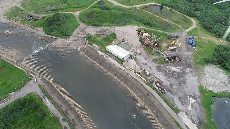 執法人員採取稽查行動的無人機空拍畫面。環保署提供。