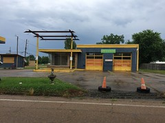 fmr Phillips 66 Service Station. Durant, MS