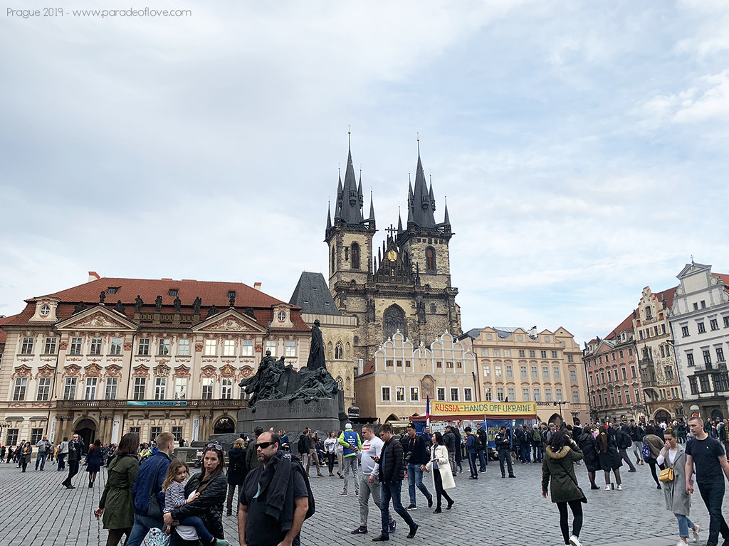 Prague_Old_Town_paradeoflove_01