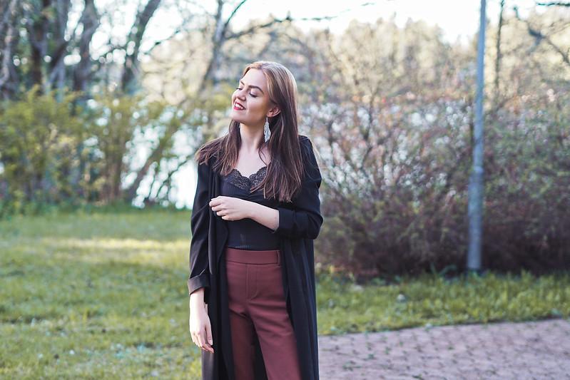 ruskeat puvunhousut