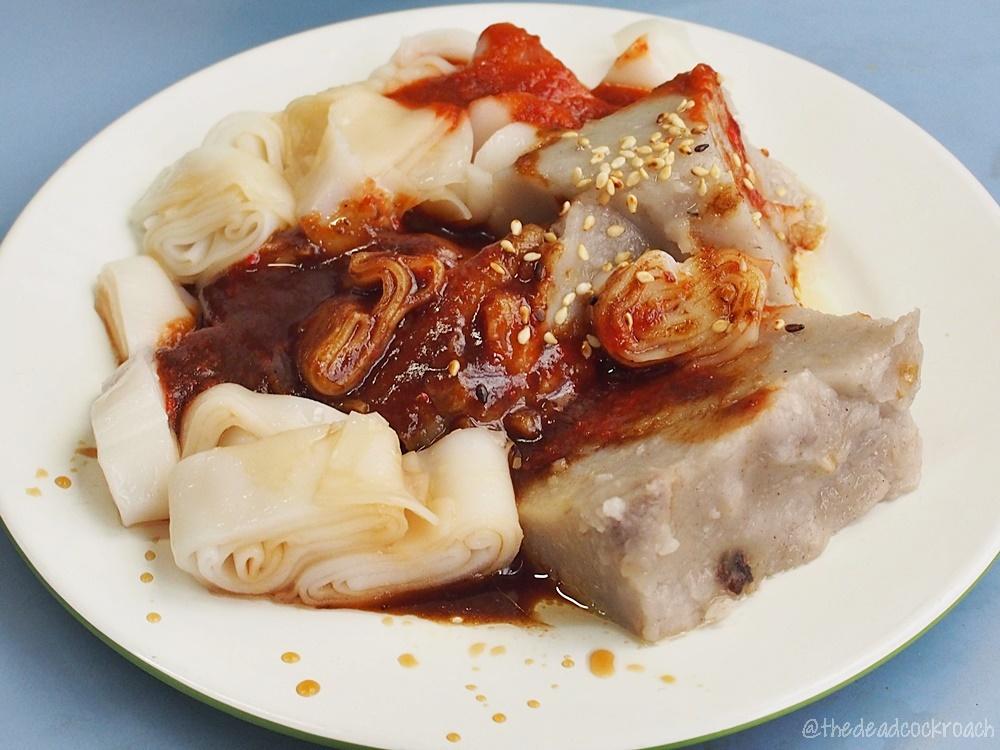 chee cheong fun, chinatown complex, food, food review, jia ji mei shi, porridge, review, rice dumpling, bak chang,singapore, smith street, yam cake, 佳记美食, 牛车水, 猪肠粉, 粥, 粽子, 芋头糕, 豬腸粉,芋頭糕