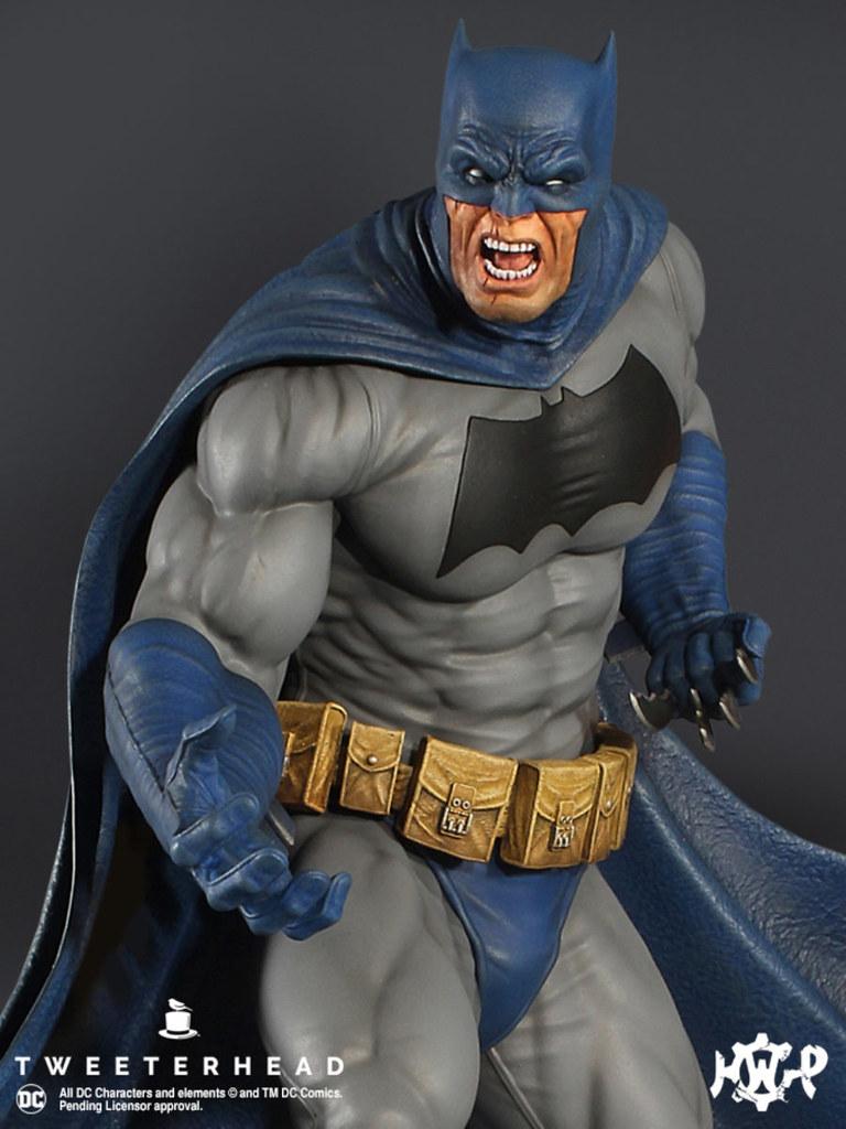 Tweeterhead《蝙蝠俠:黑暗騎士歸來》黑暗騎士 Dark Knight 1/6 比例全身雕像作品 普通版/EX版/泥巴變體版