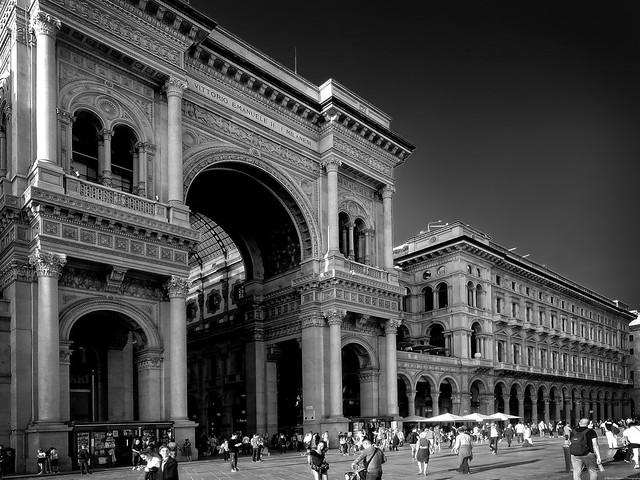 The entrance of Galleria Vittorio Emanuele II