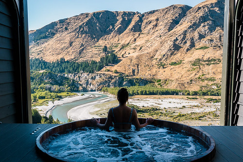 Onsen Hotpools in Queenstown, New Zealand | by delilahhartwrites