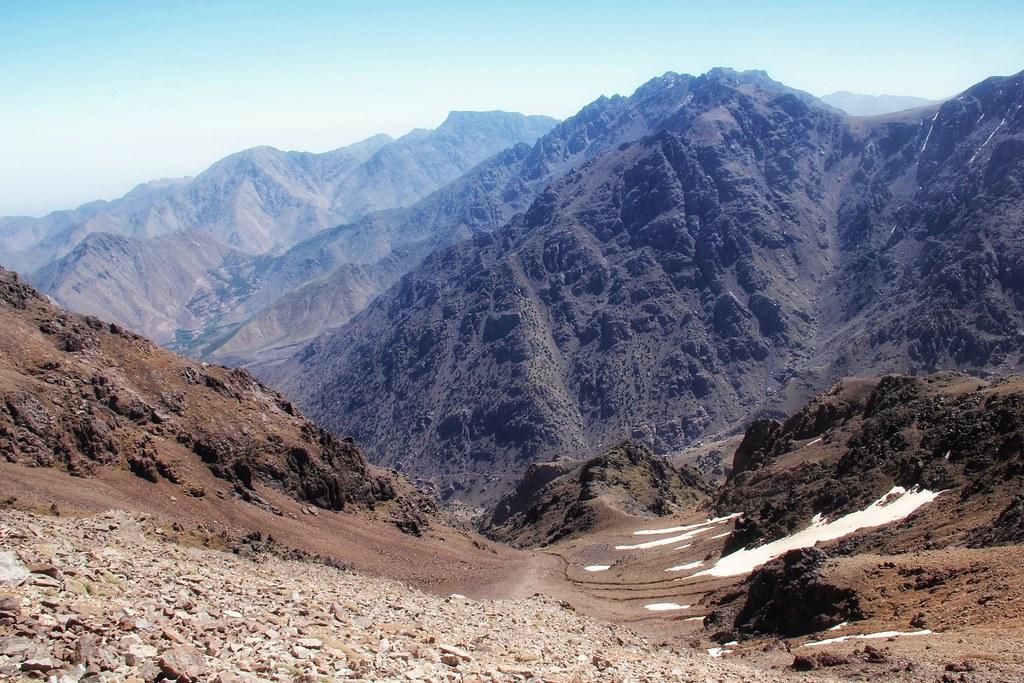 Agelzim Mountain pass, Mount Toubkal trek