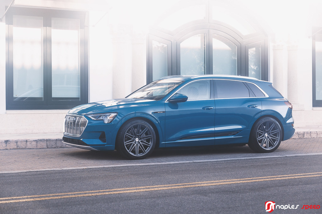 2019 Audi e-tron on Vossen CV10