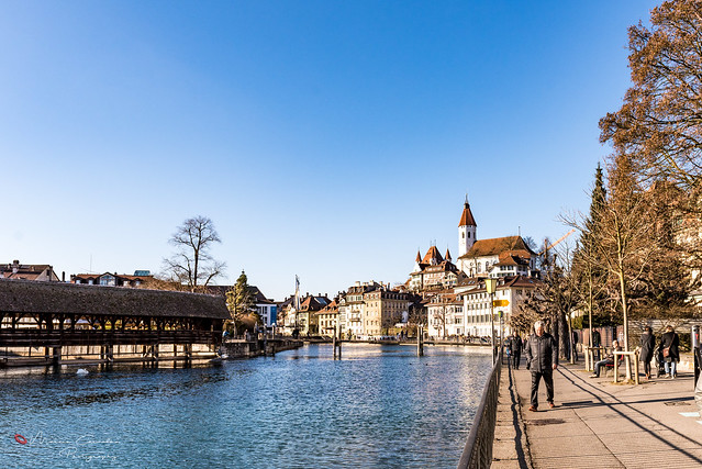Thun Castle's tower and the Aar river (Thun City - Switzerland) - D81_8322